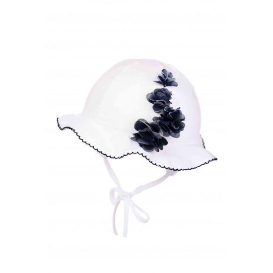 Бебешка лятна шапка с цветя за момиче