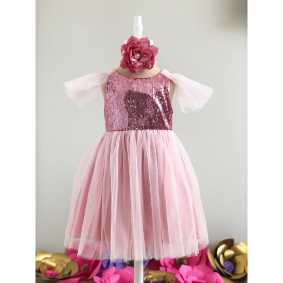 Рокля с пайети и ръкави от тюл в розово